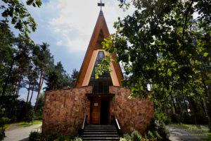 Parafia Rybienko Leśne - widok z zewnątrz